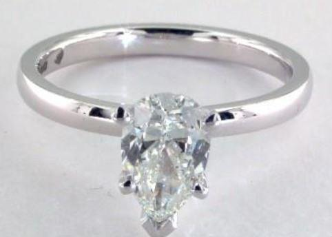 1.00ct H colored VVS2 Pear shaped Diamond on a White Gold Setting