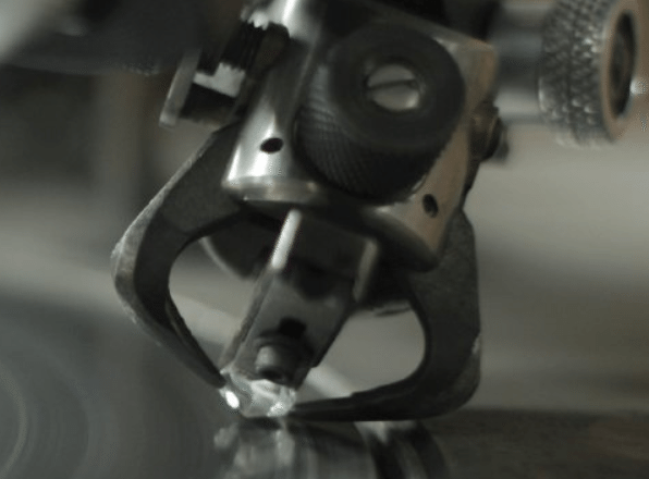 Polishing a diamond on a polishing wheel