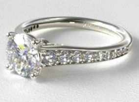 Pavé Engagment Ring