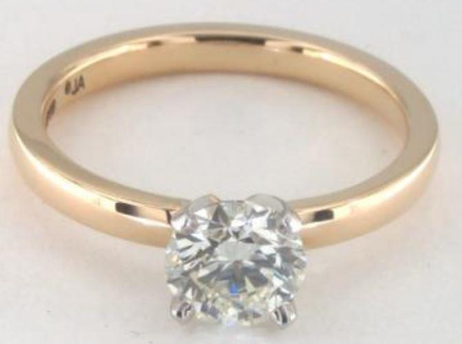 0.80ct K colored VVS1 diamond on yellow gold Solitaire ring setting