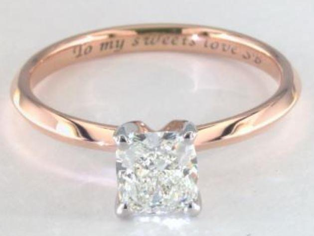 0.96ct J colored VVS2 Cushion cut diamond on a Solitaire rose gold ring setting