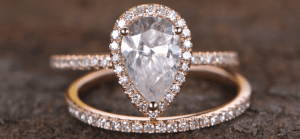 Pear-Shaped Diamonds